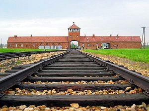 300px-Auschwitz-Birkenau